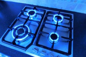 Electric vs Gas Stove – Which One is Better?